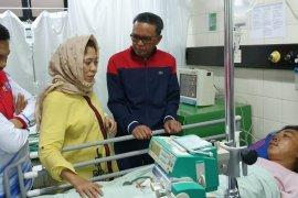 Gubernur-Kapolda jenguk mahasiswa korban demo Makassar yang dirawat