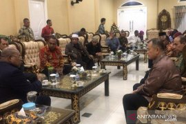 Gubernur Papua temui Wagub Sumbar bahas nasib warganya pascakerusuhan Wamena