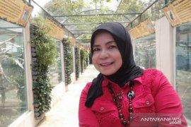 Semangat Siti Nursiah melestarikan permainan tradisional