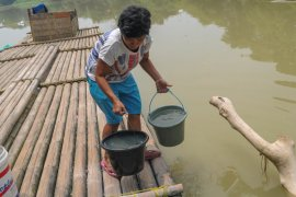 Penuhi kebutuhan warga, BPBD Lebak distribusikan air bersih dua truk tangki