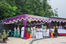 Uskup Sanggau lakukan pemberkatan tempat wisata rohani Sungai Ayak