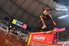 Beatrice dominasi 3.000m halang rintang putri