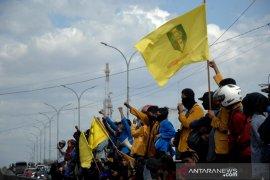 Aksi mahasiswa Makassar Page 2 Small