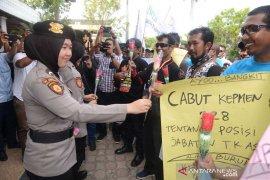 Demo buruh berlangsung damai, Pengamat: Demo mahasiswa seharusnya lebih damai lagi