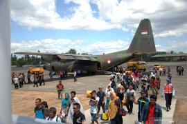 134 perantau Minang di Wamena kembali ke  Padang