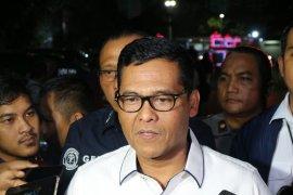 380 orang ditetapkan sebagai tersangka bentrokan saat  demo di  Senayan