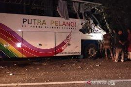 Dua bus tabrakan di Aceh Timur