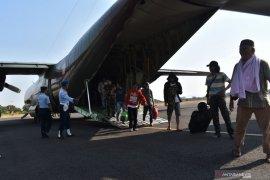 Pengungsi Wamena transit di Lanud Iswahjudi