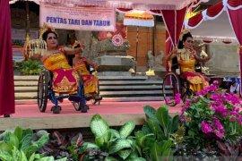 Ratusan disabilitas ikuti Festival Kesenian Bali (video)