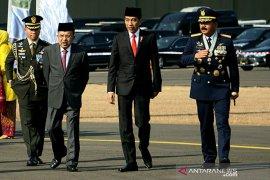 Presiden Jokowi: TNI harus mampu adaptasi teknologi baru