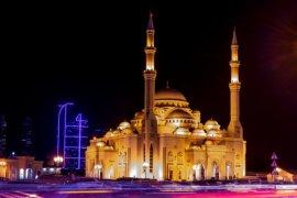 Umat muslim di Uni Emirat Arab akan shalat  Idul Adha di rumah