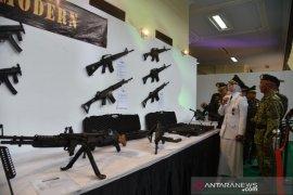 """Pameran alutsista """"Jember Army Festival"""" meriahkan HUT TNI di Jember"""