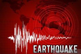 Warga Ambon berhamburan akibat dua gempa beruntun