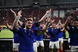 Prancis amankan langkah perempat final