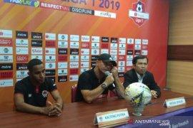 Pelatih Kalteng Putra  Gomes: Peluang ke luar dari zona degradasi masih ada