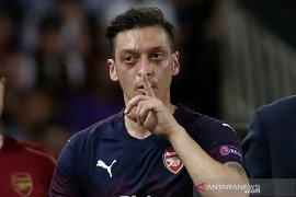 Warganet China kecam cuitan Mesut Ozil di twitter