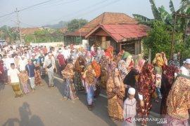 """Warga Tanjung Pasir Seberang Jambi lestarikan kearifan budaya """"Tudung Lingkup"""""""