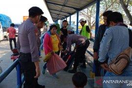Polisi perketat pengawasan penumpang Pelabuhan Tanjungkalian Mentok