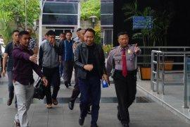 Senin, Bupati Lampung Utara jalani pemeriksaan lanjutan di gedung KPK