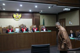 Jaksa KPK tuntut mantan Dirut PLN Sofyan Basir 5 tahun penjara