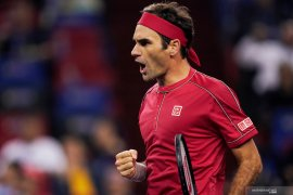 ATP Finals: Federer ke semifinal setelah hentikan Djokovic