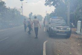 Kebakaran hebat  di Jalintim Mesuji Lampung  Perbatasan Provinsi Sumatera Selatan/Antaranews Lampung com Foto /Raharja)  Page 2 Small