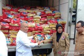 Kementerian Perdagangan serahkan bantuan untuk korban gempa Maluku