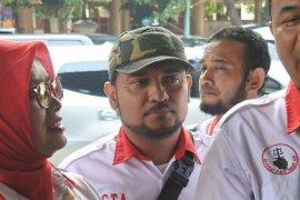 Ketua Media Center Persaudaraan Alumni  212 Novel Bamukmin penuhi panggilan polisi terkait kasus Ninoy