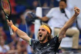 ATP Finals 2019: Tsitsipas lolos semifinal usai kalahkan Zverev