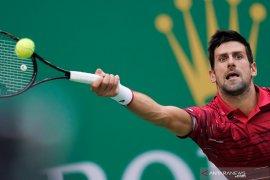 Hentikan Tsitsipas, Novak Djokovic jumpa Dimitrov di semifinal Paris Master