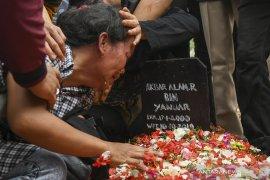 Kisah Akbar,  korban demo yang berakhir di liang pusara