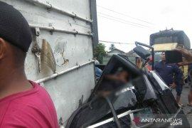 Kecelakaan beruntun terjadi di Sibolangit, empat mobil rusak