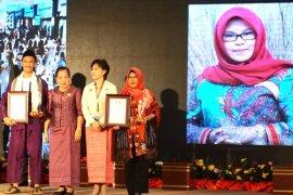 Amalia the bekantan conservationist receives ASEAN award