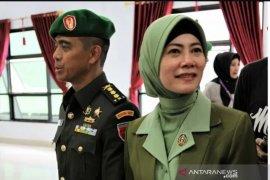 Ketika muruah sang prajurit TNI di tangan istri