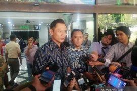 SBY, AHY dan Ibas jenguk Wiranto di RSPAD