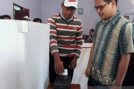 Pilkades serentak Situbondo, warga antusias ikut simulasi e-voting