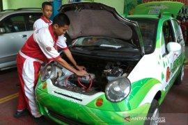 SMK NU Ma'arif Kudus buat mobil listrik