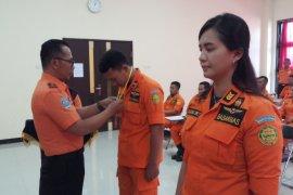 Personel Basarnas Surabaya dapat pembekalan penanganan kecelakaan