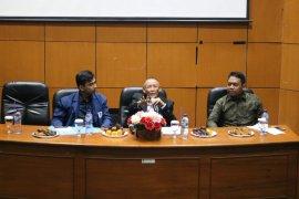 Lembaga mahasiswa uji materi alternatif kuatkan KPK