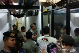 KPK buka segel dan geledah kantor Wali Kota Medan Tengku Dzulmi Eldin