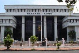 Hakim Agung Maruap Dohmatiga meninggal dunia