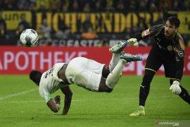 Hasil dan klasemen Liga Jerman - Gladbach kalah tapi masih di puncak