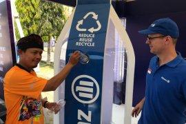 Allianz Indonesia perluas segmen asuransi dengan program tukar sampah