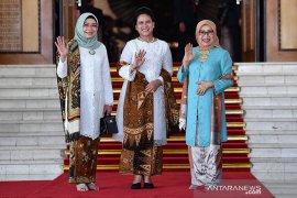 Pelantikan presiden, warganet puji baju Bu  Iriana