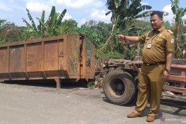 Kota Jambi manfaatkan truk pemadat sampah kurangi volume sampah,