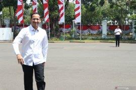Calon Menteri Nadiem Makarim datang ke istana kepresidenan