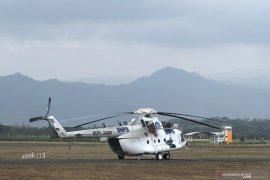 "Gubernur: Perlu tambahan helikopter ""water bombing"" tangani karhutla di Jatim"