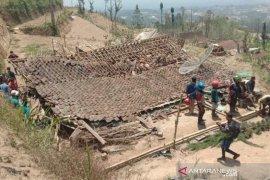 Magelang menetetapkan status darurat bencana angin kencang