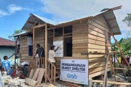 ACT bangun family shelter untuk penyintas gempa di Halsel