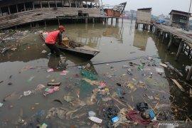0.59 million ton marine debris dumped in Indonesia: LIPI